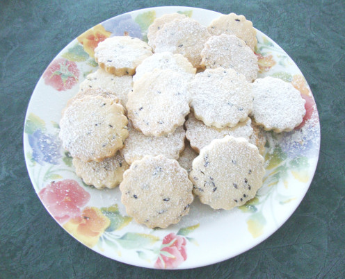Image: Lavender Shortbread Cookies Dusted With Icing Sugar
