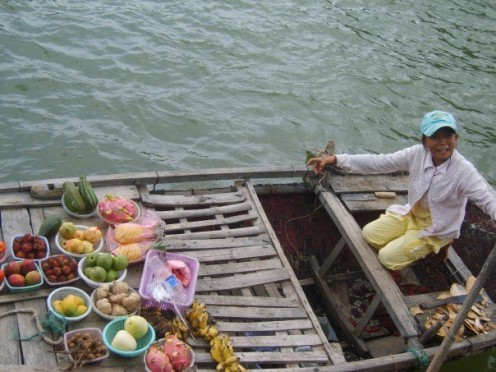 Fruit seller in Halong Bay