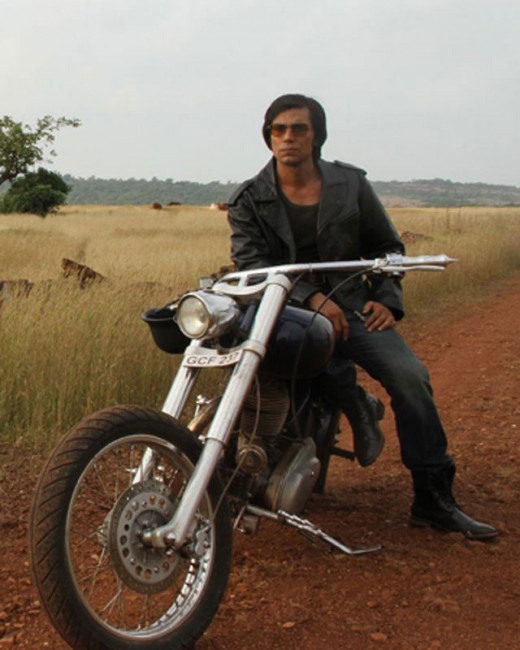 Highway actor Randeep Hooda will play the role of Charles Sobhraj in his upcoming film, Main Aur Charles. Here have a look at these pictures.Visit Biscoot showtym  for more http://www.biscoot.com/showtym