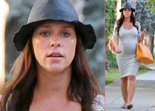 Jennifer Love Hewitt gave birth to a girl last November.