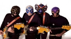 Los Straitjackets: Surf, Garage, Rock In Lucha Libre Masks