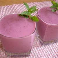 When I make my smoothie I want it to taste good but also be healthy so what I do is make what I call a three fruit smoothie and I want to share with you my recipe but you can also use any three fruits you like when you make yours so please try and en