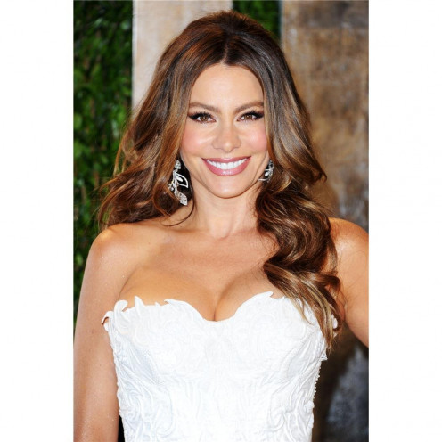 Sofia Vergara Poster by Silk Printing # Size about (35cm x 52cm, 14inch x 21inch) # Unique Gift # 4E7AB0