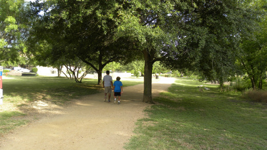 Enjoy a walk in the Park with family at Mills Pond Austin TX