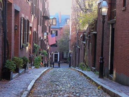 Alley in the North End of Boston: These are the streets that Paul Revere walked!