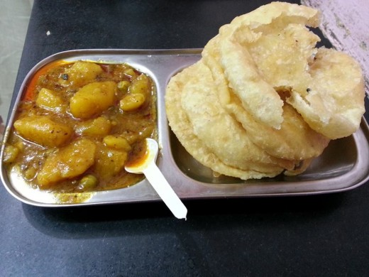 Aloo Curry & Puri