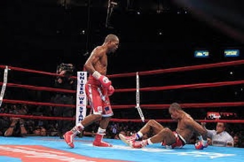 Bernard Hopkins gave the then undefeated (39-0) Felix Trinidad a boxing lesson before stopping him in the 12th round to unify the middleweight championship.