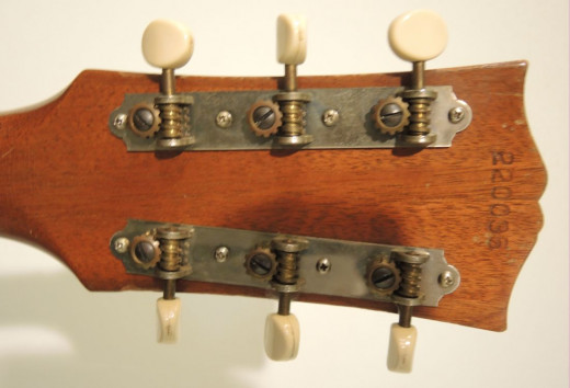 Example of inexpensive tuning keys