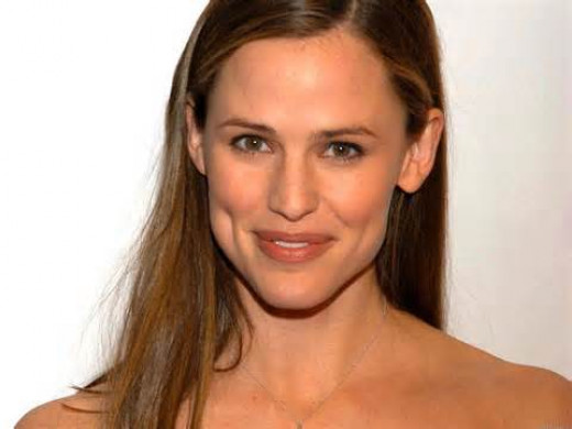 Jennifer Garner worked as a hostess at a restaurant on New York's upper east side before breaking into television and movie fame.