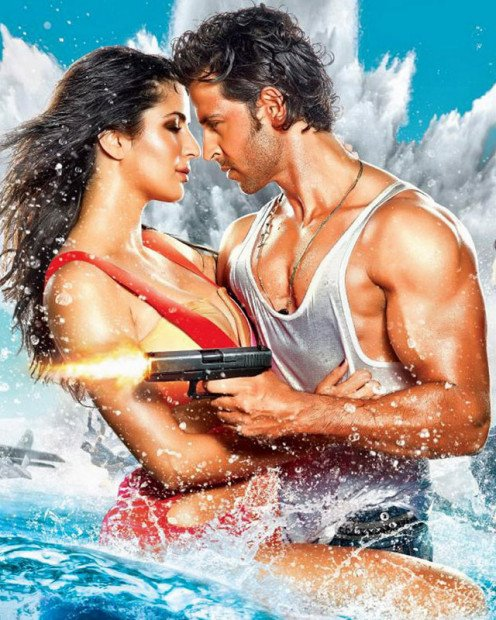 Bang Bang teaser starts with a bang, just like its title. Hrithik Roshan and Katrina Kaif are seen performing some uber cool stunts with sizzling romantic scenes. The film will hit the screens on October 2, 2014.