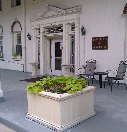 Front entrance to the Inn and the same beautiful front porch