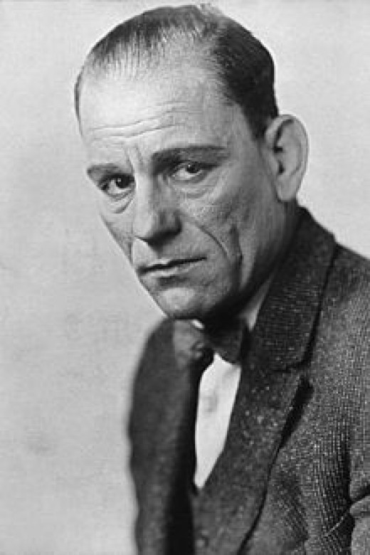 Lon Chaney as himself.