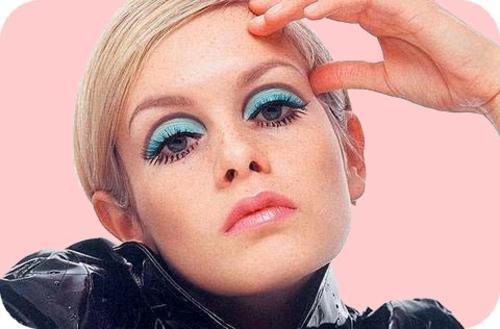 Twiggy's signature makeup