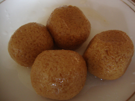 Rasagola (Rasgulla) is a very popular cheese based, syrupy sweet dish originally from the Indian state of Orissa. It is popular throughout India and other parts of South Asia. The dish is made from balls of chhena (an Indian cottage cheese) and semol