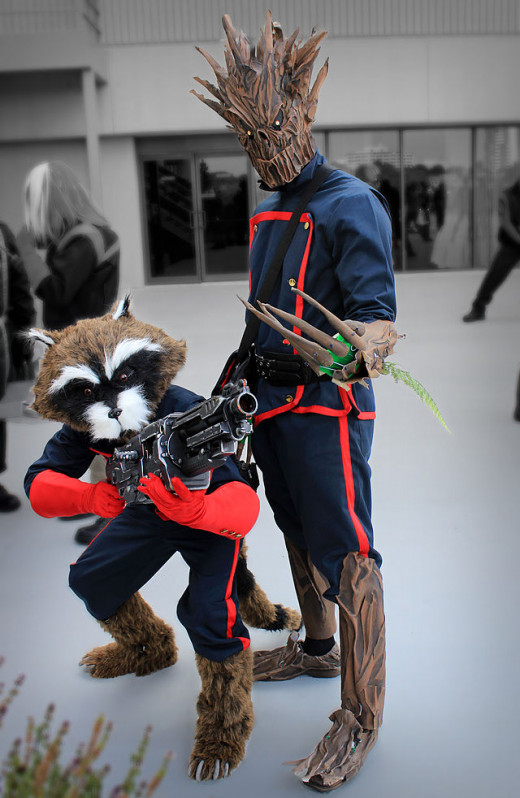 Cosplay Rocket Raccoon and Groot at Dragon Con 2013