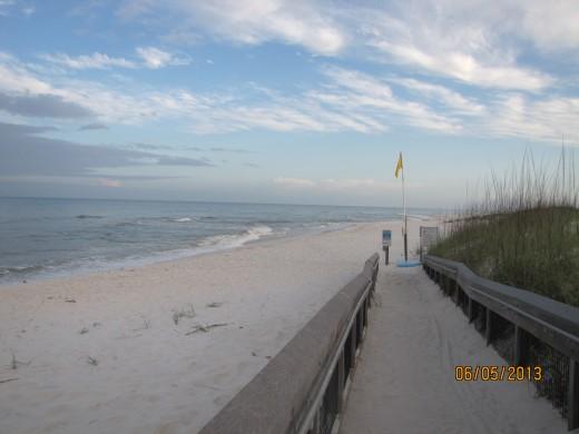 Boardwalk to the beach - Beachside