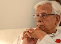 Natwar Lobs a Stinker Bomb at the  Gandhis