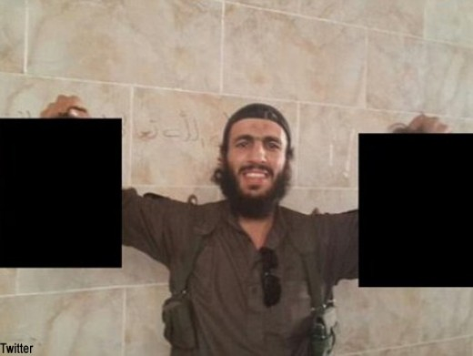 Mohamed Elomar- Australian Jihadist Proudly Holds Two Severed Human Heads on Twitter