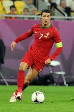 Cristiano as Captain