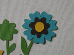 Adhere Yellow large daisy dot