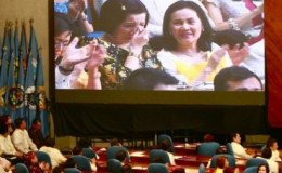 YOUNGEST SIBLING Celebrity Host/Actress Kris Aquino crying (Photo Source:www.interaksyon.com)