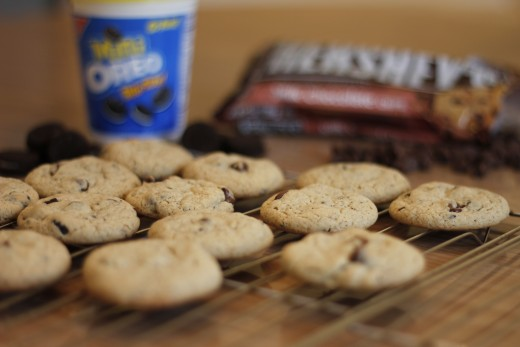 Oreo chocolate chip cookies made with Oreo pudding mix.