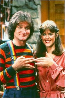 Robin Williams and Pam Dauber as Mork and Mindy