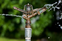 An old-fashioned impact sprinkler, seldom used in modern irrigation systems.