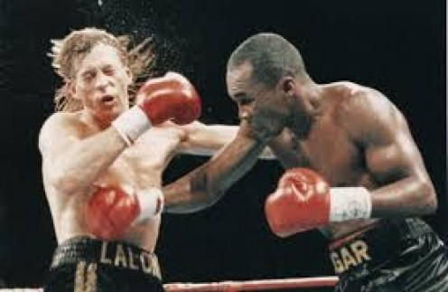 Sugar Ray Leonard knocked out Donny LaLonde in nine rounds to win the super middleweight and light heavyweight world titles.