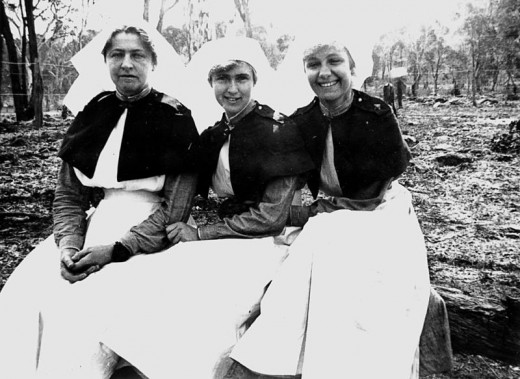 These Australian nurses were photographed at the end of WWI in 1918.