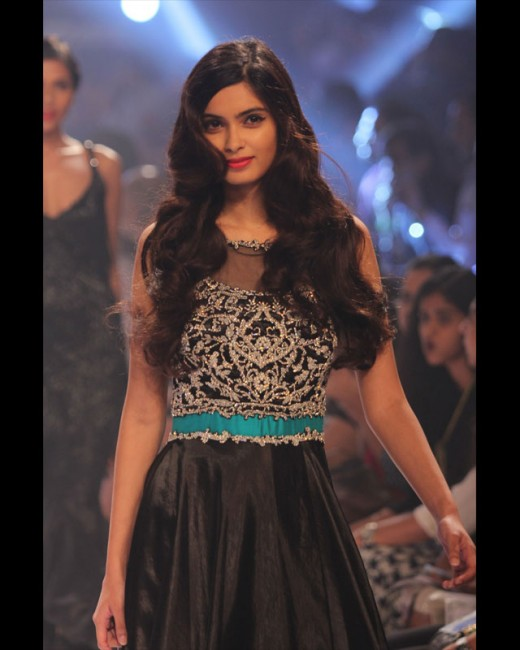 Bollywood actress Diana Penty sizzled the ramp when she walked for designer Rocky S at the on-going Lakme Fashion Week Winter/Festive 2014.