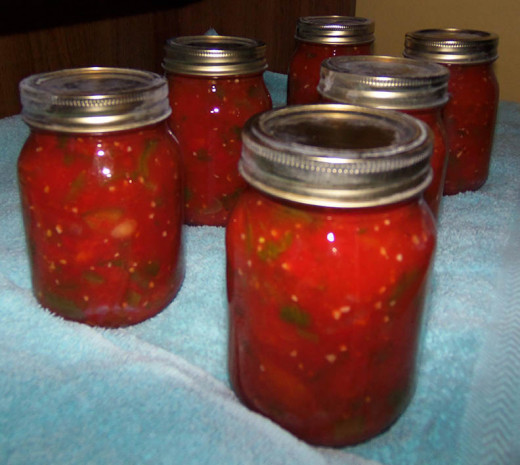 I use pint jars instead of quart for the salsa.