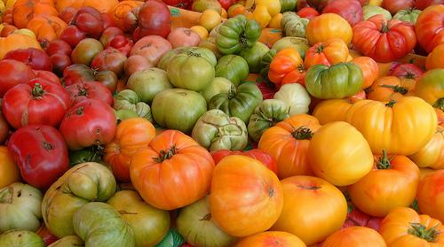 Heirloom Tomatoes at the Farmer's Market, by jillclardy