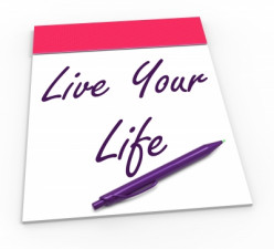 Self Help: How To Embrace Your Life in 10 Steps and Live Your Best Life