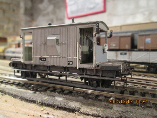 Unfitted brake van, 'Toad D' showing the lamp arrangement for the back end of a mineral or other working without vacuum/air brake - this is one of several Dapol (Airfix) kit-built versions, both in fitted and unfitted livery