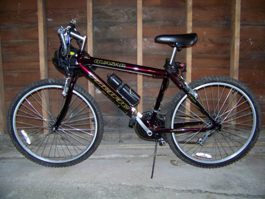 Photo of my trusty Quasar bicycle made by Pacific!