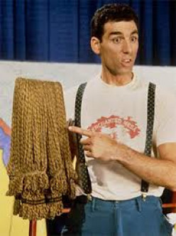 Early Michael Richards in some acting scene