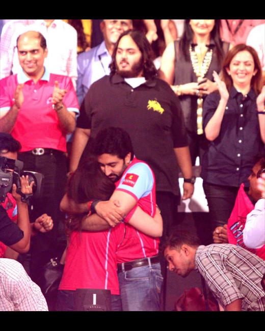 Pro Kabaddi League final match result: Abhishek Bachchan's Jaipur Pink Panthers team won the final match opposite Mumbai's U Mumba team. The event saw some super cute lovey-dovey moments shared between Abhishek Bachchan and his wife Aishwarya Rai.