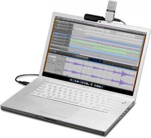 Samson Go Mic on a laptop