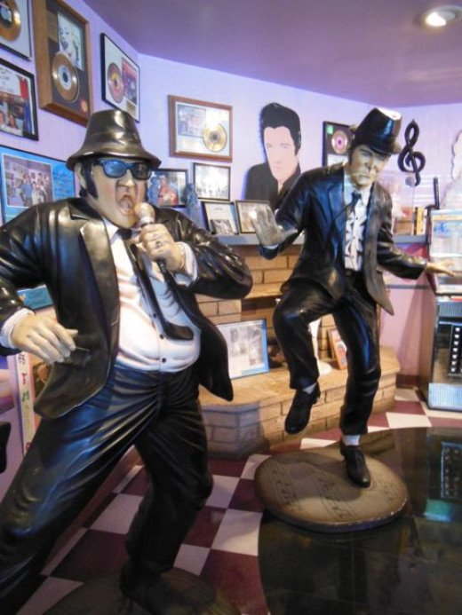 The Blues Brothers rocking at Peggy Sue's
