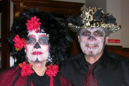 dia de los muertos couple, photo by Relache