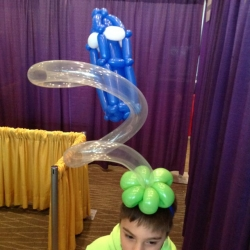 Who would have imagined you could do that with balloons?! It turns out you can, and I photographed this amazing hat at the 2014 Emerald City Comicon.