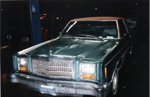 Here's the car the day before it got painted.  One thing I wanted to point out is the square headlights.  That distinguished the 1978 and 1979 models from earlier models.  I tried to sort this photo up higher, but the module wouldn't let me do it.