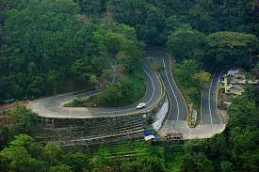 The road through Western Ghats connecting Wayanad and Kozhikode