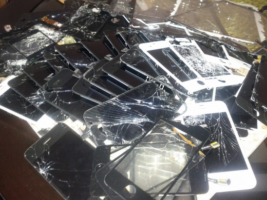 The LCD beneath the cracked screen can be reused, resulting in HUGE profit!
