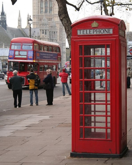 Routemaster bus and red phone booth, Westminster