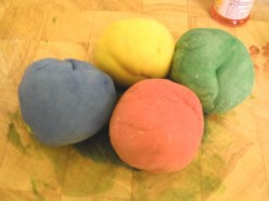4 Coloured Balls of Play Dough