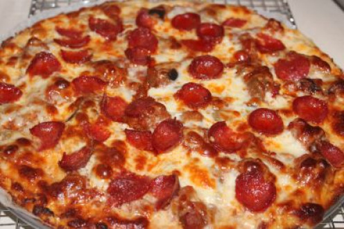 Cheese and Pepperoni Cauliflower Crust Pizzq