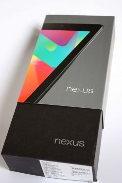 The Nexus 7 arrives in a nice box