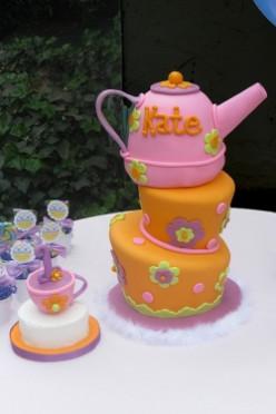 Amazing Topsy Turvy Cakes!